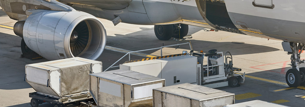 Loading cargo into airplane